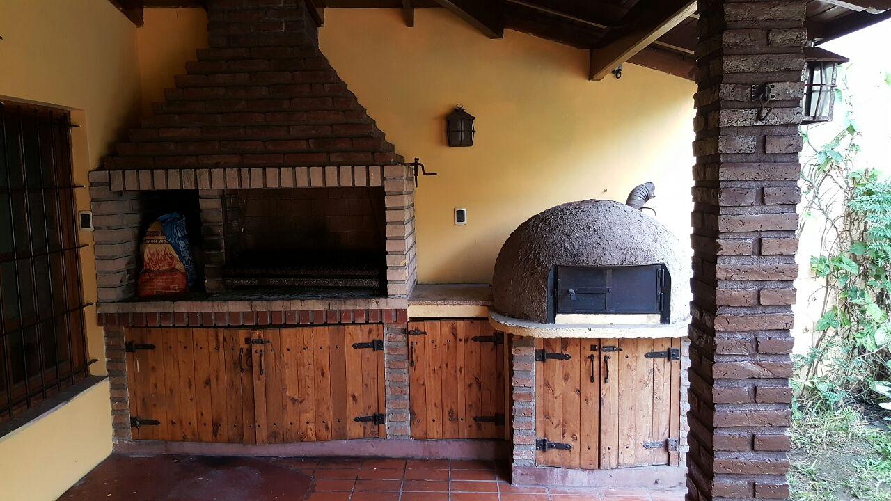 Galeria con parrilla y horno de barro serodino - Parrillas y hornos a lena ...