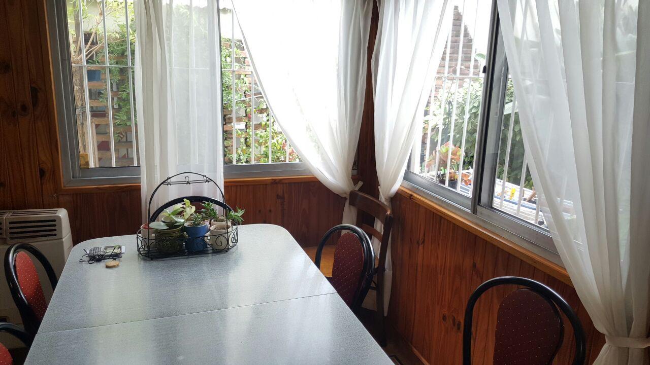 cocinas con vista al patio 2 casas en excelente estado a 2 cuadras de bernal centro